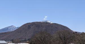 浅間山の噴煙の画像 2021年3月10日