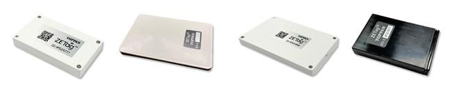 「ZETag®」ラインナップ 左からZETag®標準版、ZETag® RFID搭載版、ZETag®薄型版、ZETag® GPS搭載版 © TOPPAN INC.